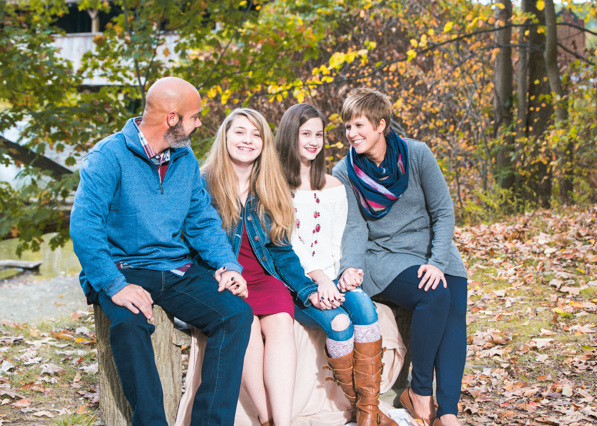 Fall Family Photography, Fall Family session, Cleveland Family Photography, Cleveland Family photographer, fall photos, lake county, harpersfield covered bridge