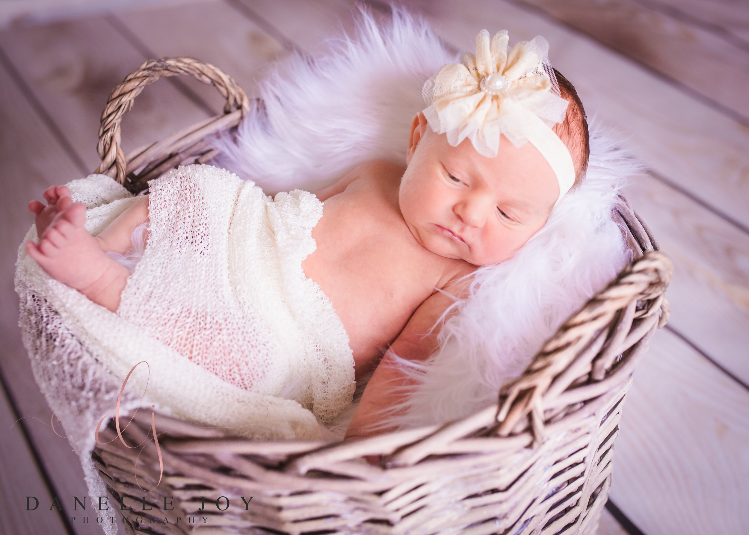 Newborn photography, newborn photographer, newborn posing, cleveland newborn photographer, mentor ohio photographer