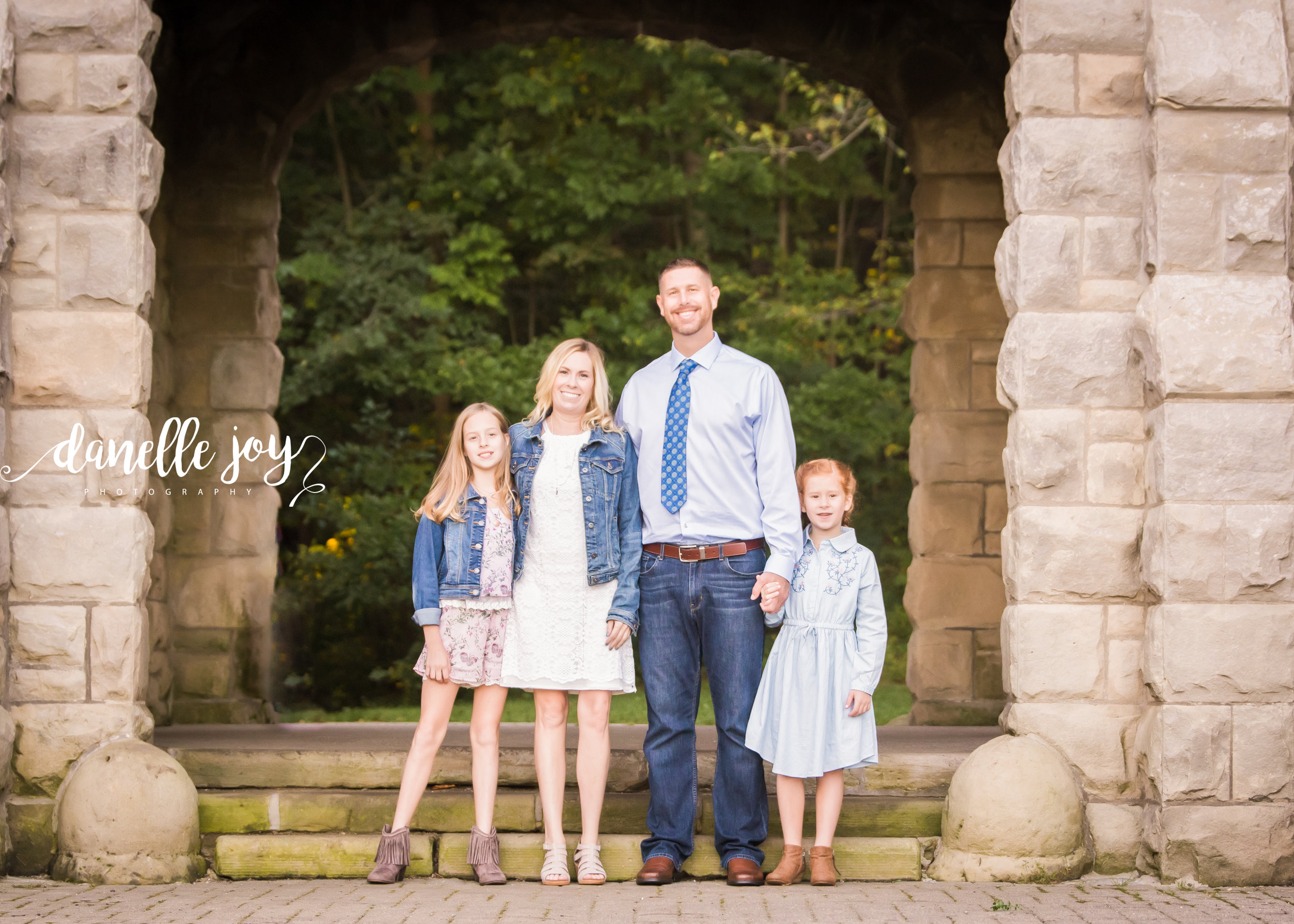 Cleveland Family Photographer, Family Photographer, Mentor Ohio, Squires Castle