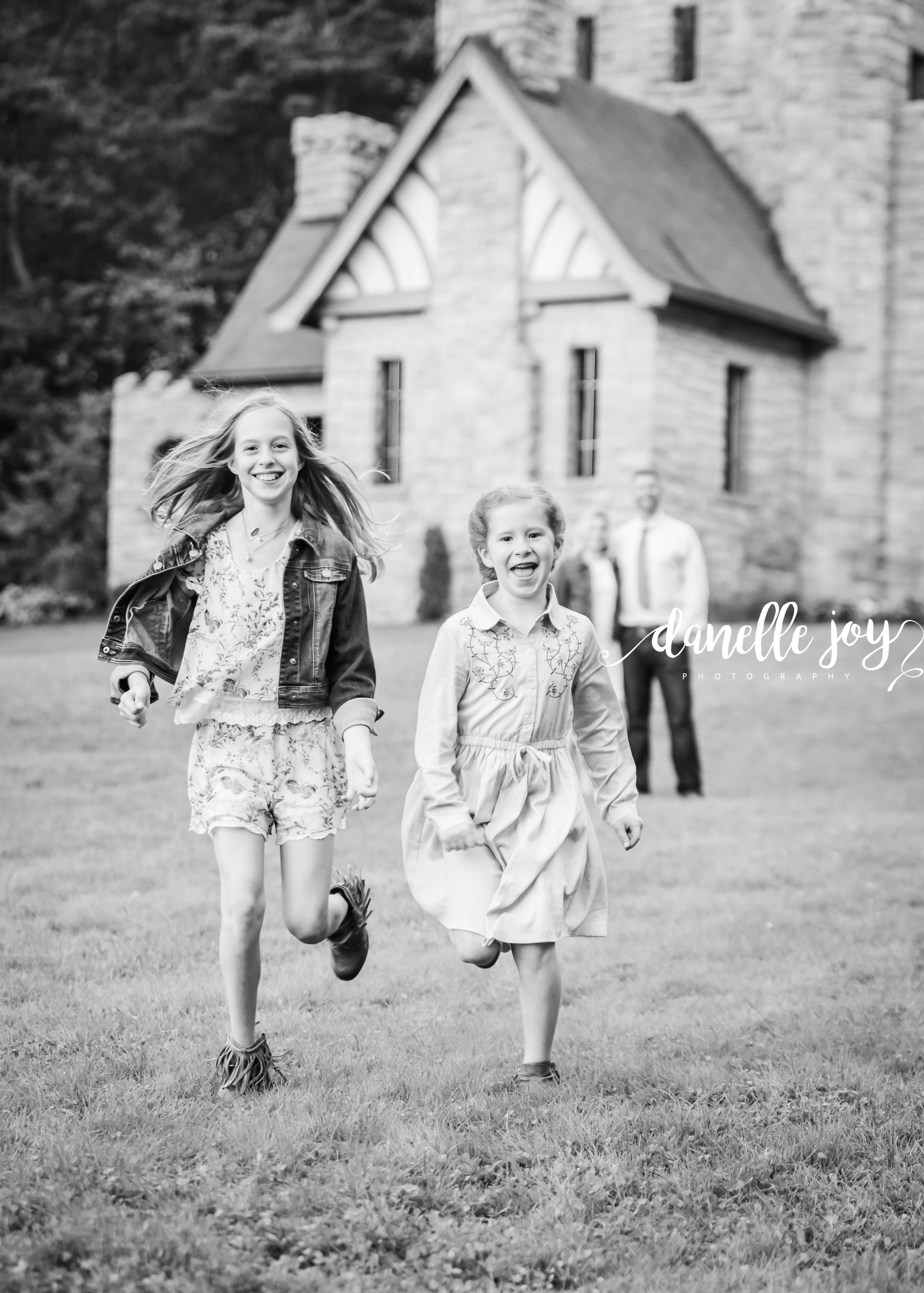 Cleveland Family Photographer, Fall Family Photographer, Mentor Ohio, Squires Castle