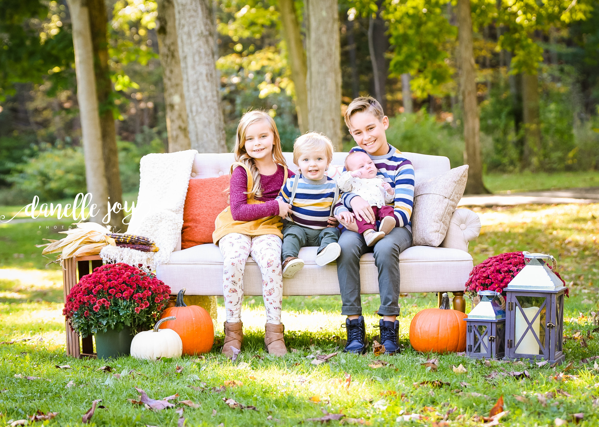 Fall Family mini Session, Cleveland Family Photographer, Squires Castle