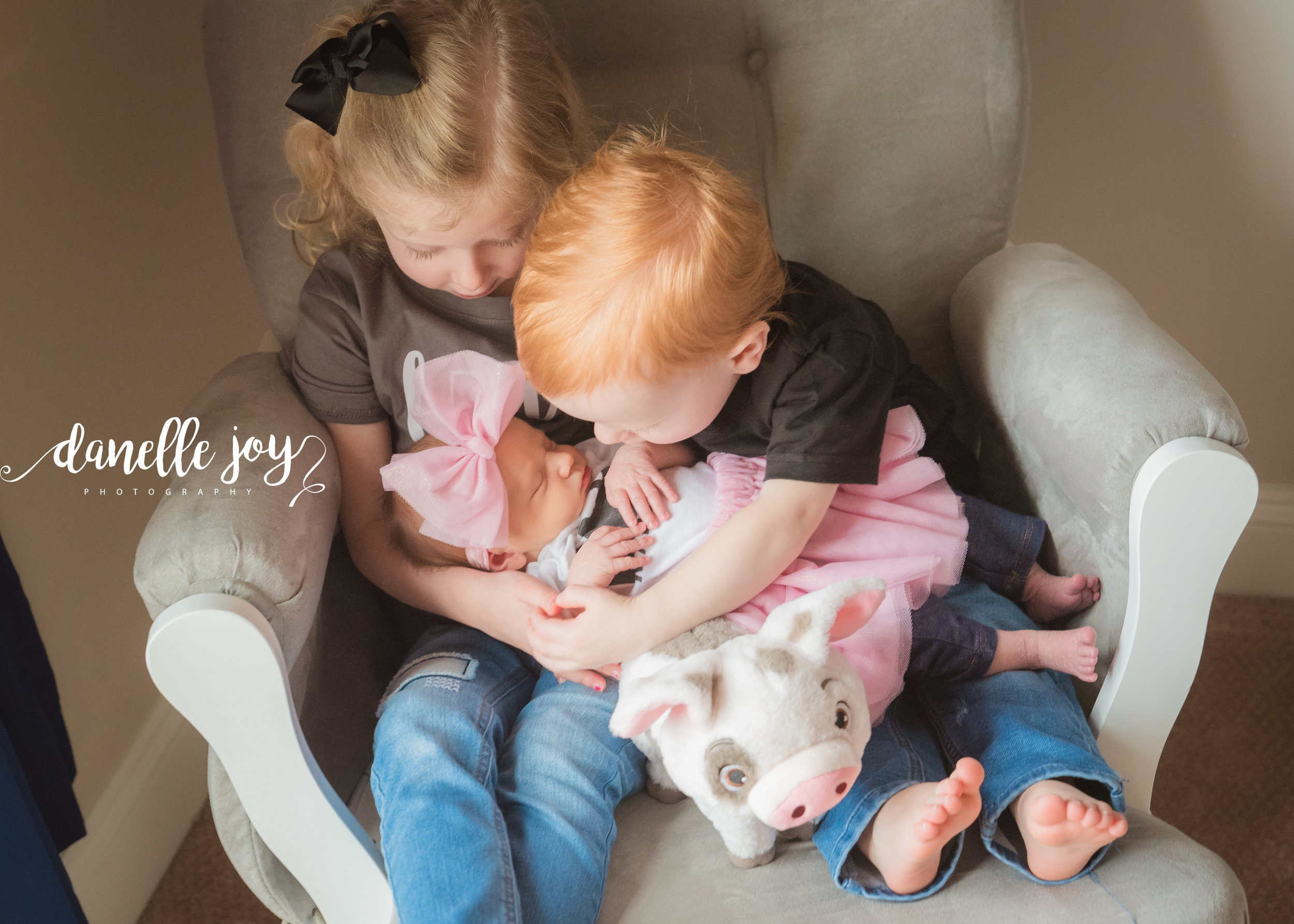 Newborn Lifestyle Photography, Cleveland Ohio, Concord Township, Ohio, Lake County Ohio