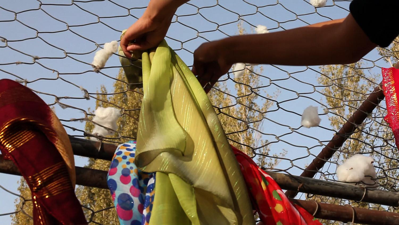 **106a_09 weave scarves.jpg