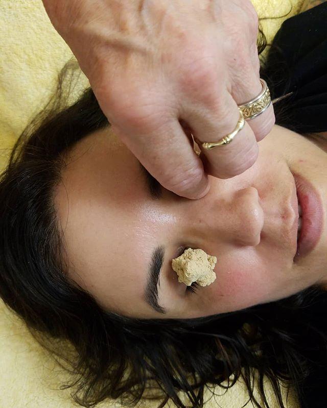 ❇️ for brightening the eyes 🎇 - - - - - #acupuncture #SIEAM #seattle #georgetownseattle #herbalremedies #naturalremedies  #chinesemedicine #chineseherbs #herbalmedicine #針灸 #針灸學 #中藥