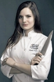 Chef Alyssa Headshot.jpg