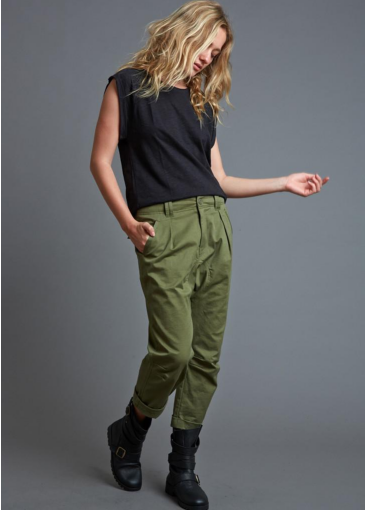 I just love these pants from We'ar that could, I think, be worn for almost any occasion.