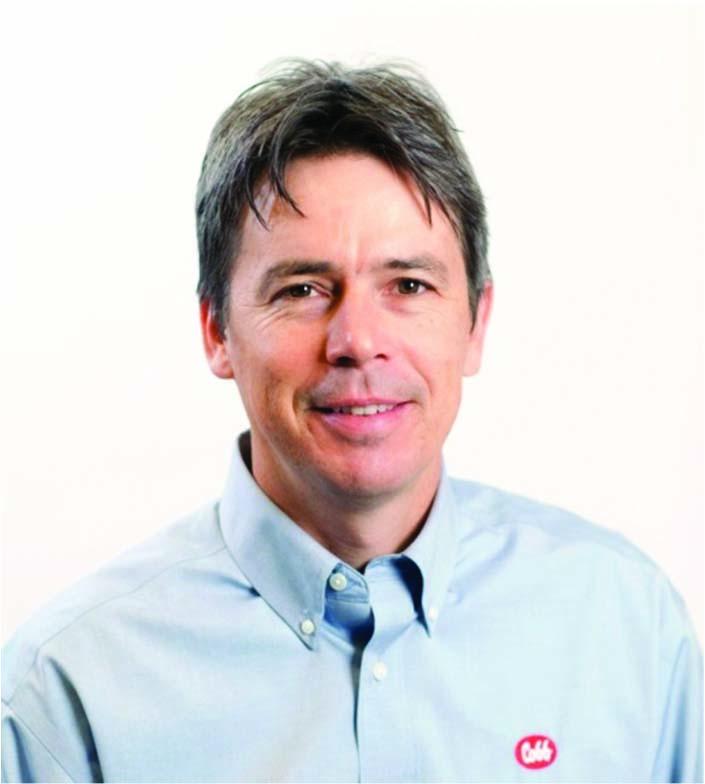 Andrew Bourne - Licenciado en Agricultura en Ciencias Avícolas con Maestría en Administración de empresas de La Universidad Stellenbosch en Sur África. Experiencia como gerente de producción de pollo de engorde en empresas de Sur África y en Reino Unido. Desde 2005 ha trabajado en Cobb Vantress como especialista de pollo de engorde brindando servicio técnico en áreas de manejo, iluminación y crianza en el continente Americano, África y Asia. Actualmente, hace parte del equipo de servicio técnico mundial en Sur América y Asia.