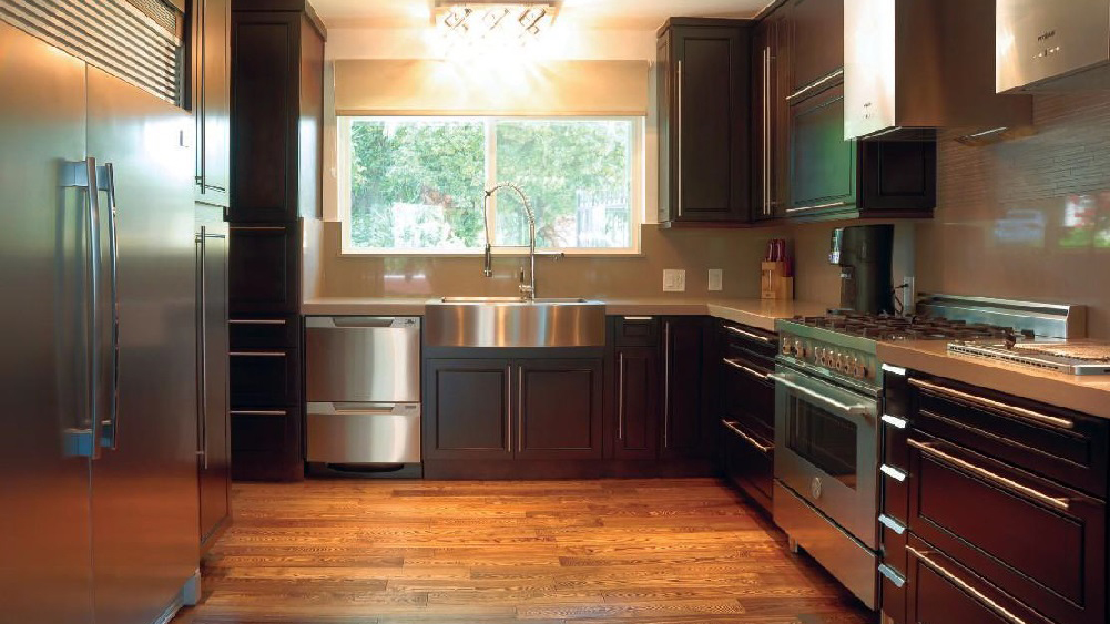 K8_Expresso_stained_maple_wood_cabinets_in_a_sleek_contemporary_style_07.jpg