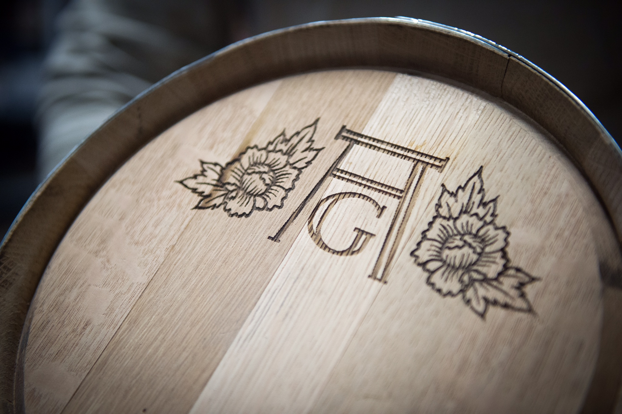 barrel head with logo.JPG
