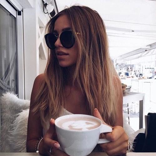 Mondays have us like... #blondelocks #envyisbacktomorrow#coffeetime #newyearnewyou #envyboutiquehairspa #morningtonpeninsula #💜
