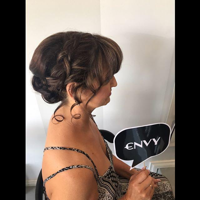 Wedding Ready...💜#herecomesthebride #hairup #weddinghair #morningtonpeninsula #itsallaboutyou #envyboutiquehairspa