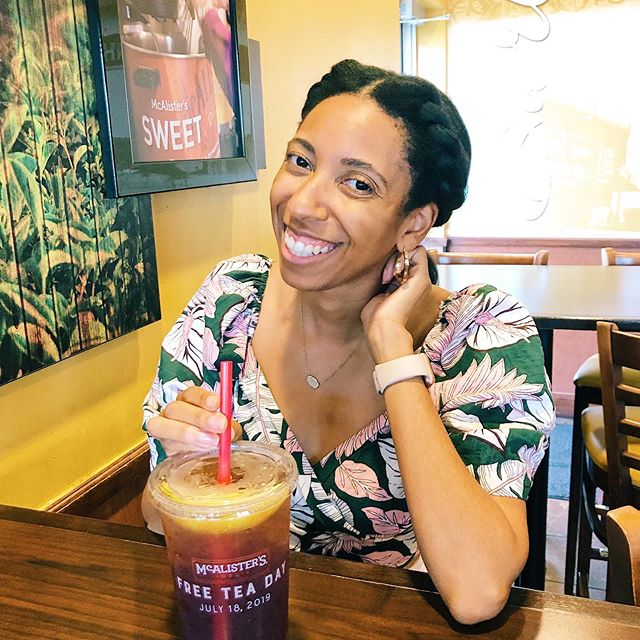 Get me a glass of sweet tea and I'll love you forever 😋!! Ya'll FREE sweet tea day at McAlister's Deli is this Thursday July 18th 💕. Treat yo self to a free sweet or unsweet tea- no purchase necessary 😆 #freeteaday2019 #mcalisters #mcalistersdeli . . . . . Offer valid 7/18/19 only