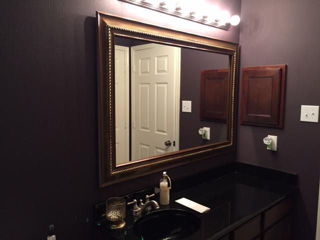 Guest Restroom - B.JPG