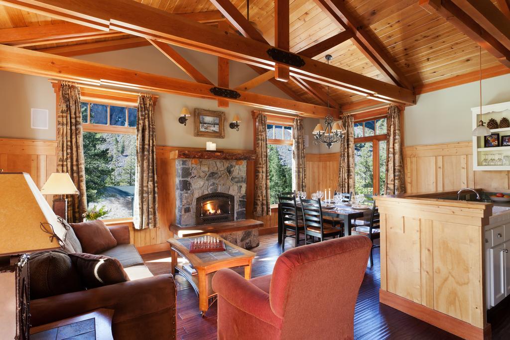 Tamarack Lodge 2.jpg