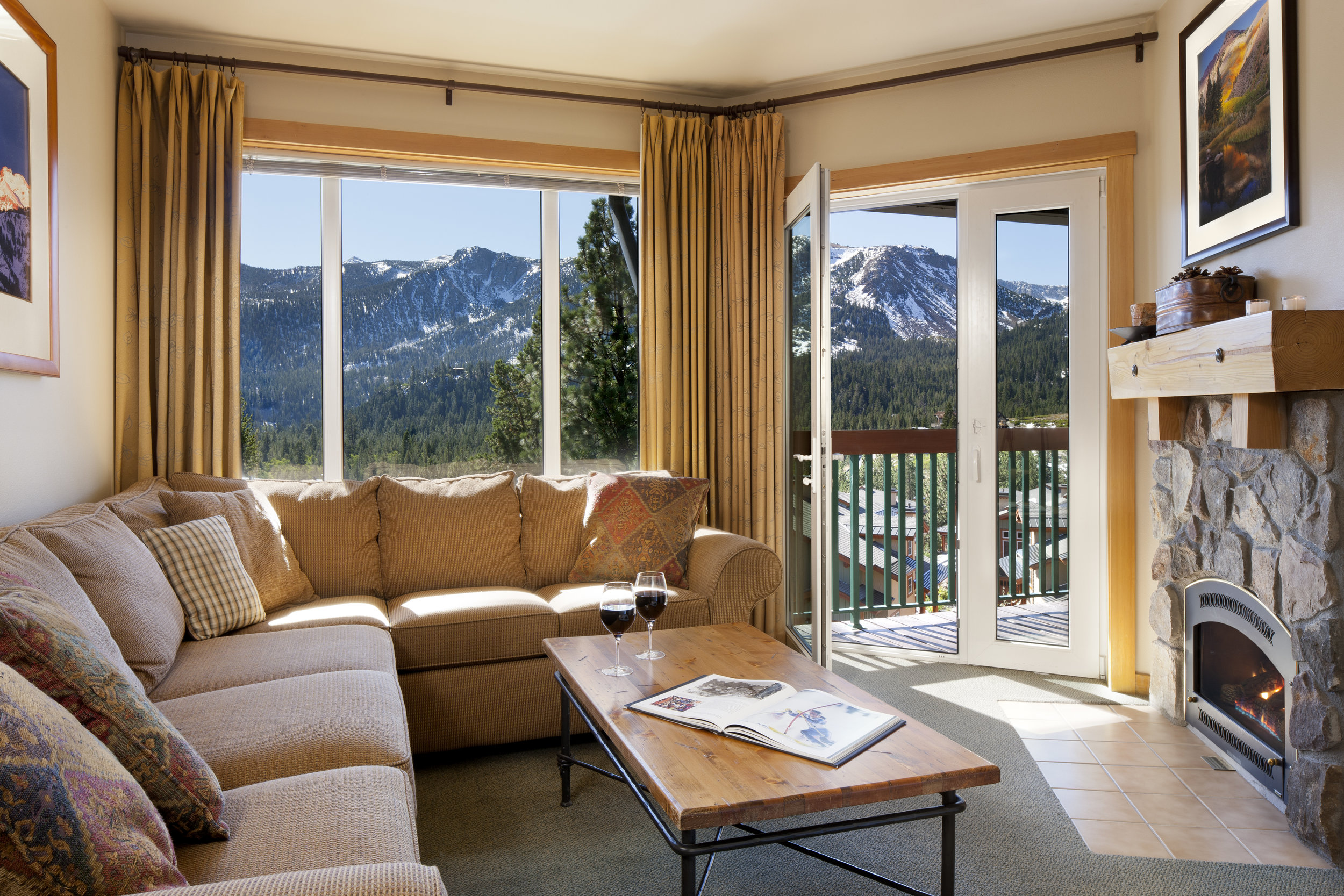 One Bedroom Condominium J1C1K4 - Living Room.jpg