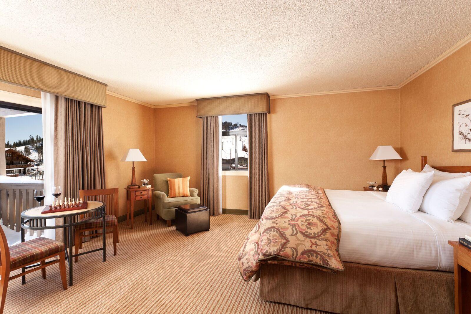 Superior Hotel - MHD1K2 (2).jpg