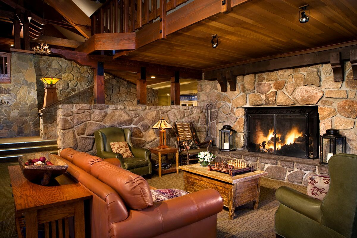 Mammoth Mountain Inn - Lobby.jpg