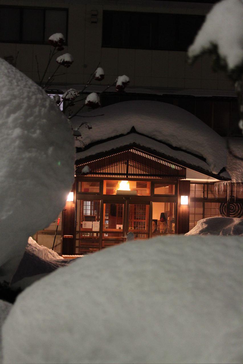 Villa-Nozawa-by-night.jpg