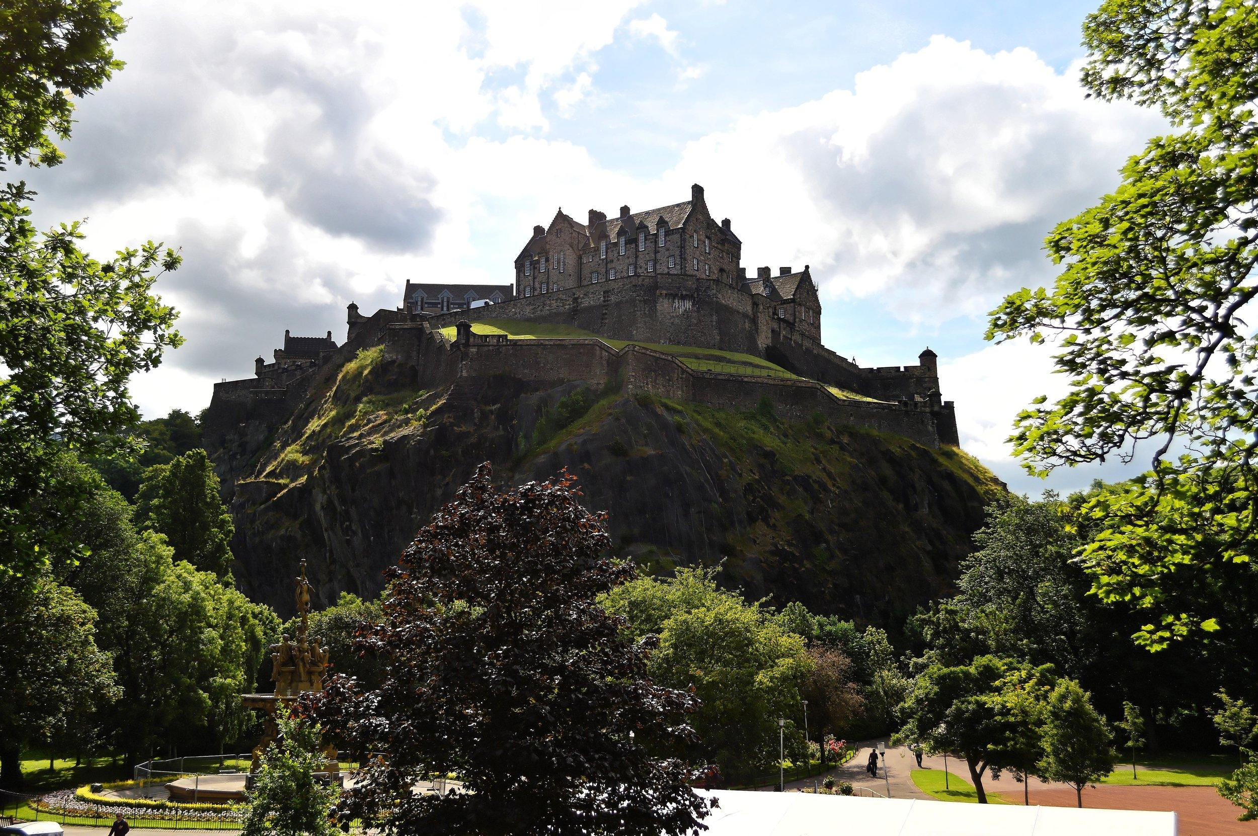 edinburgh-castle-edinburgh-castle-scotland-city-1.jpg