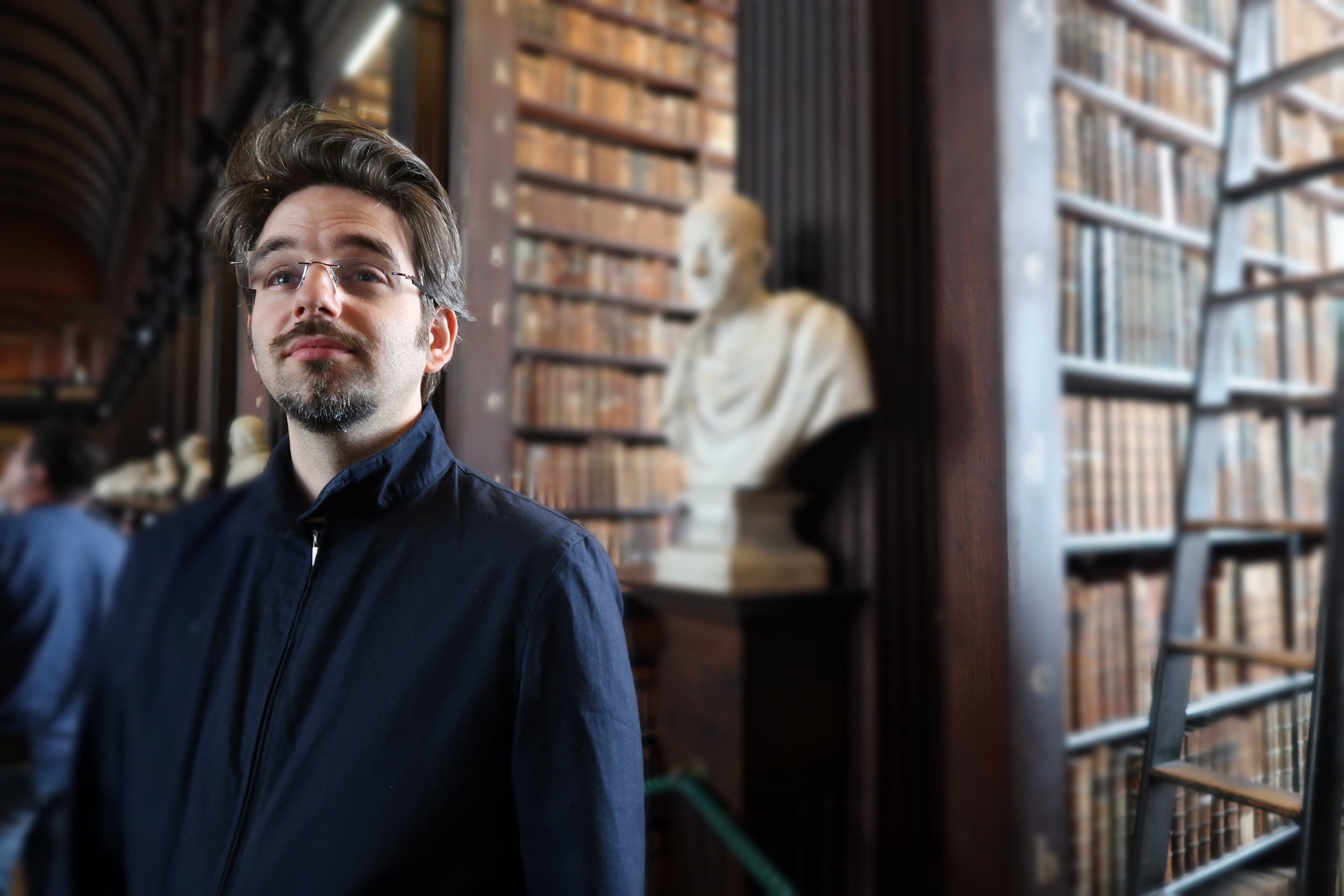 Daniel and Cicero at Old Library, photo Amelie Rosengren Latinitium.com.JPG