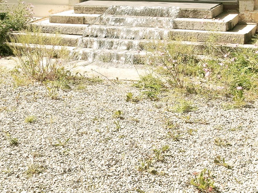 silver fall  Inszenierte Fotografie, entstanden vor Hotel Palace, Nairs