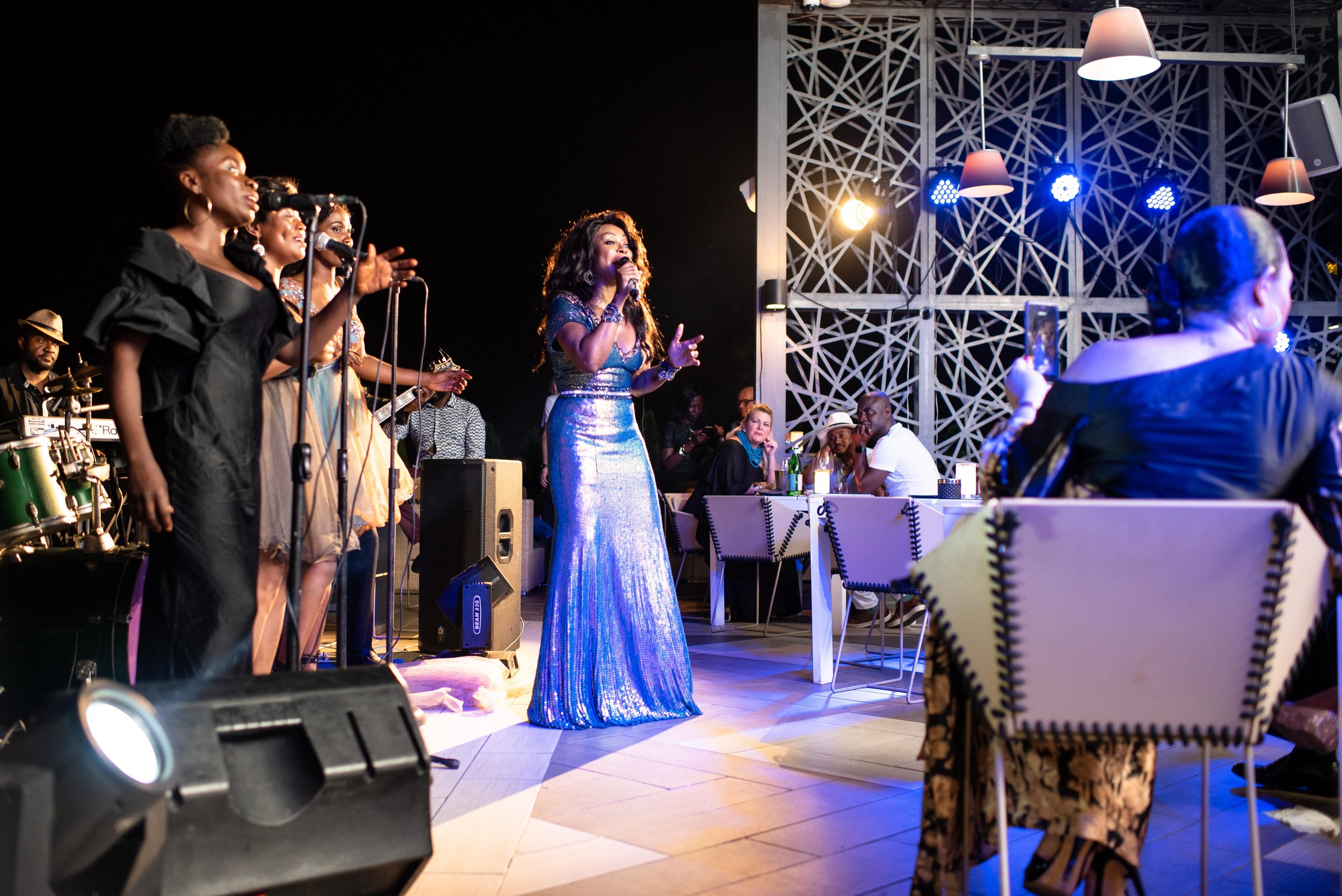 31.09.19-Stephanie Benson's Skybar Performance-30227.jpg