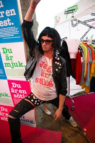 Stylisterna hade fullt upp eftersom alla ville  testa sin stil  på Hultsfredsfestivalen 2007.