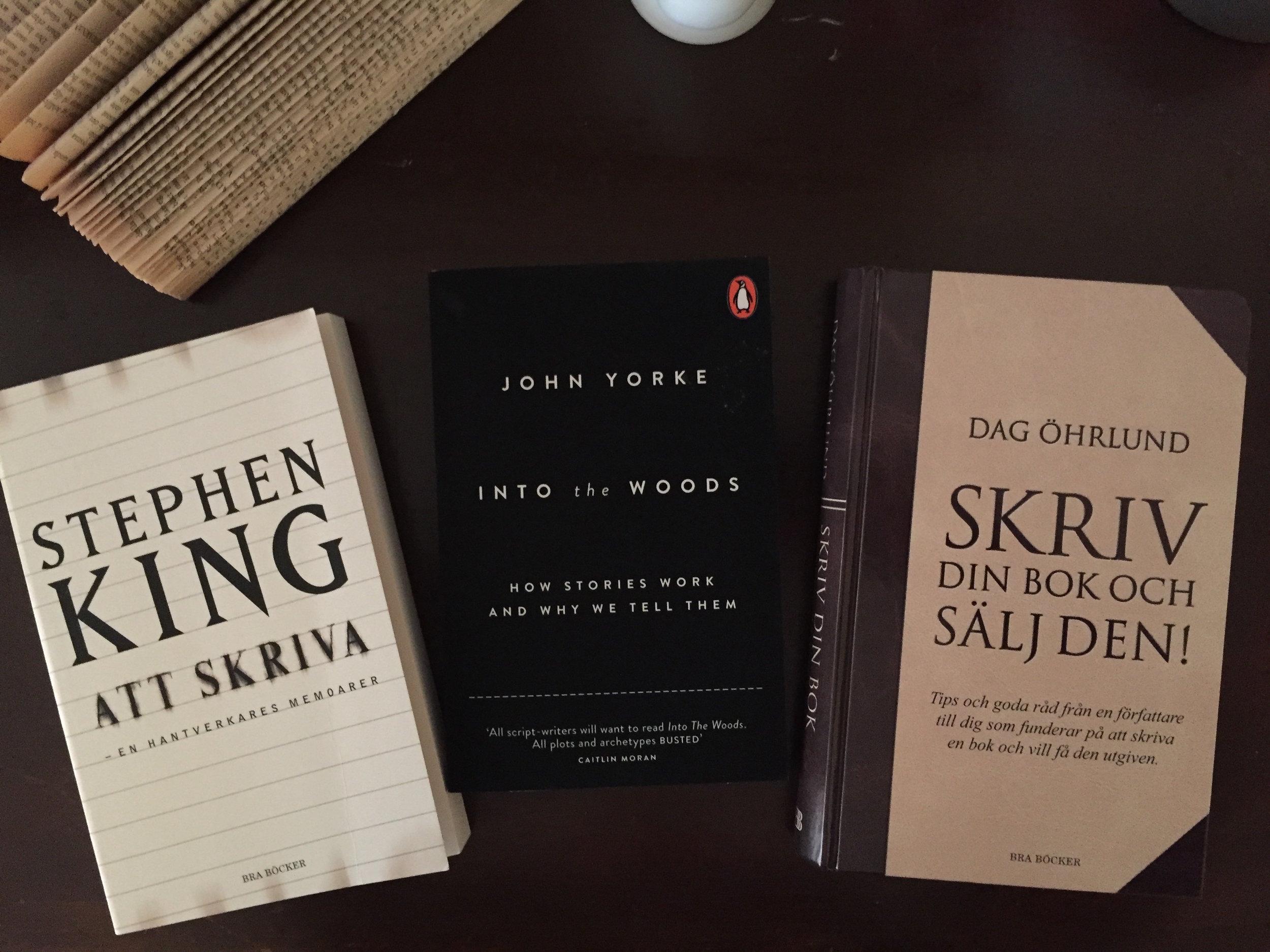 Tre favoriter i min bokhylla.