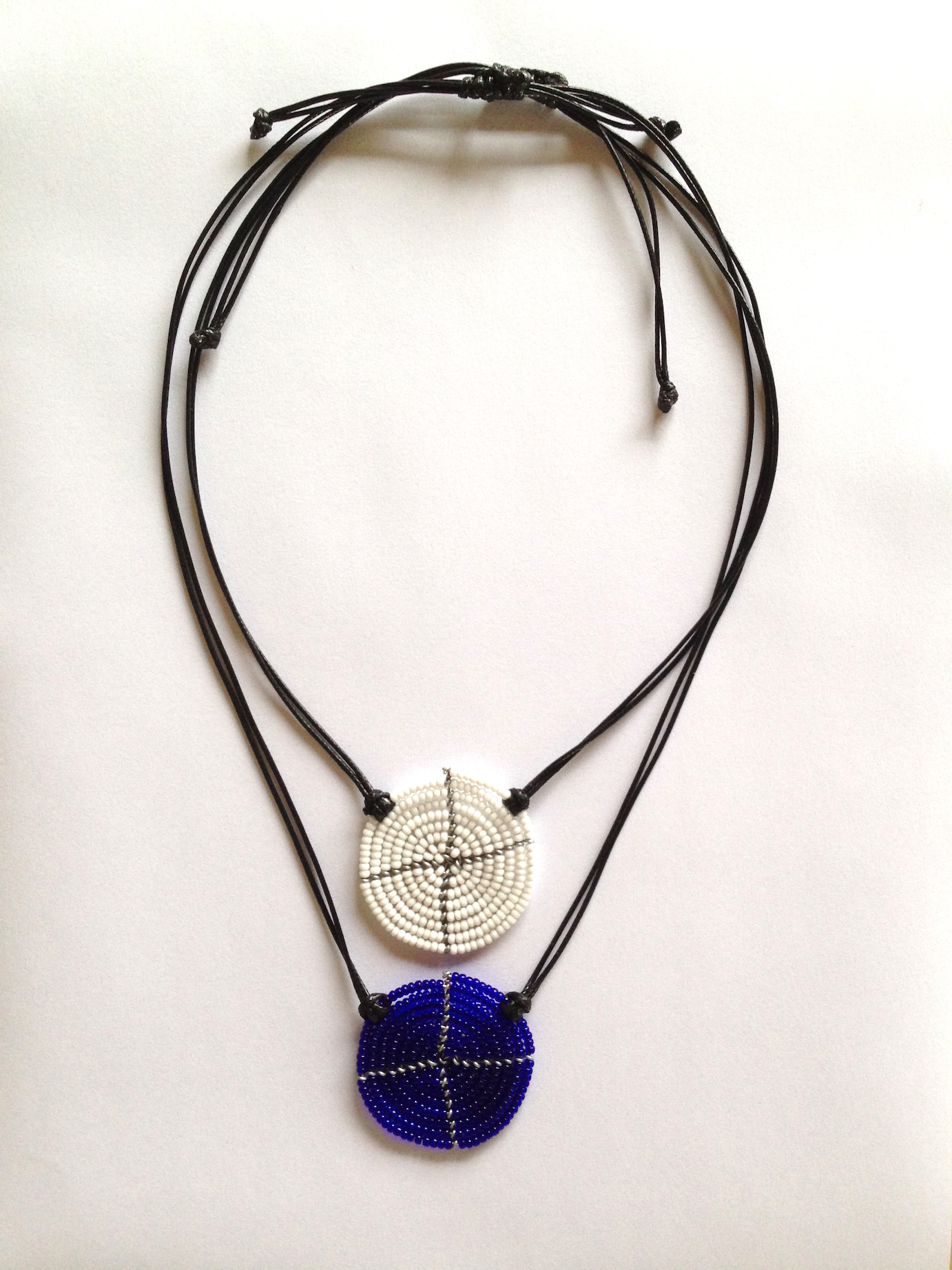 Disk Necklace White Blue.JPG
