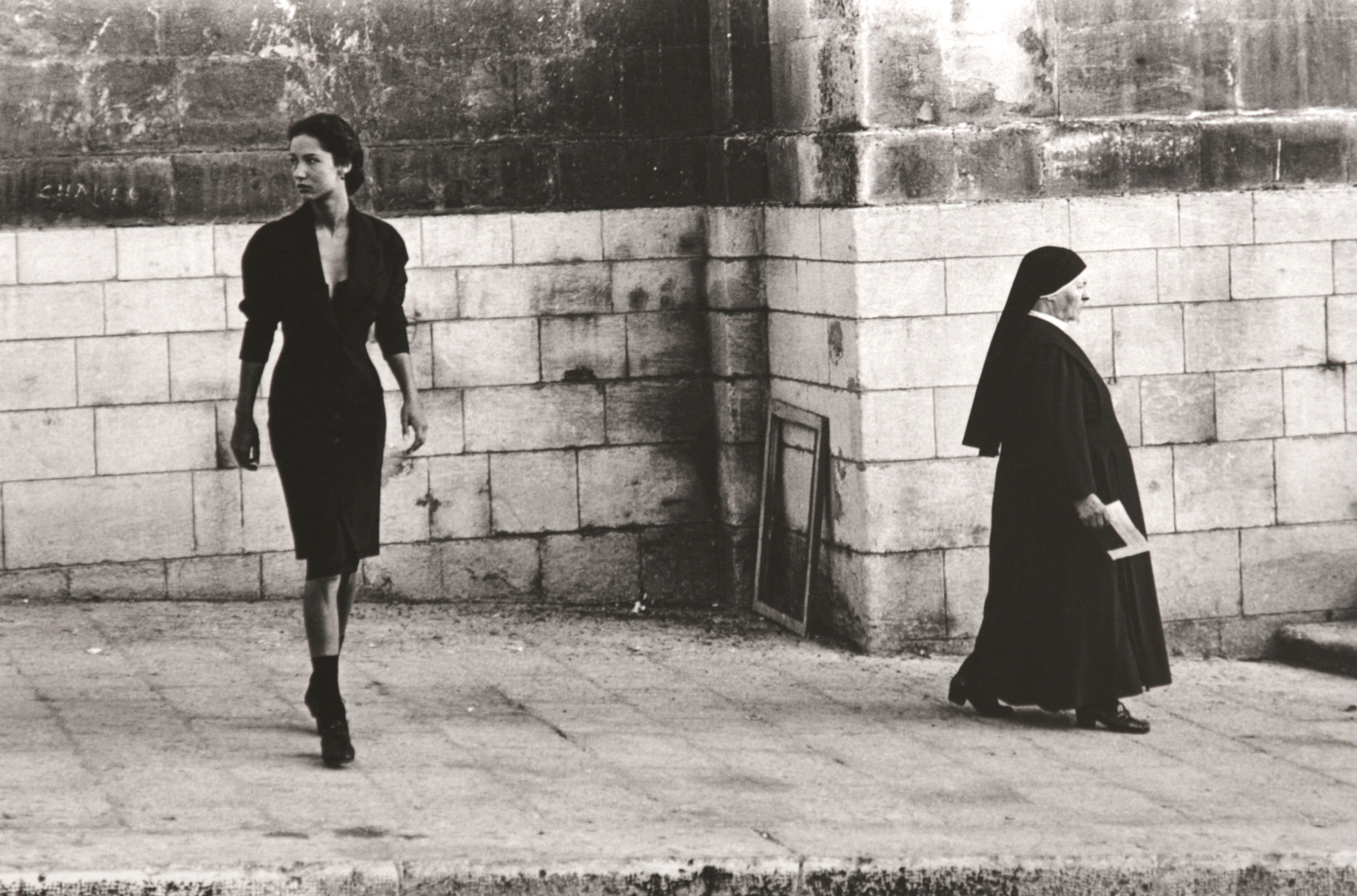 Ferdinando Scianna, Marpessa and the Sister,  via  Your Own Guide