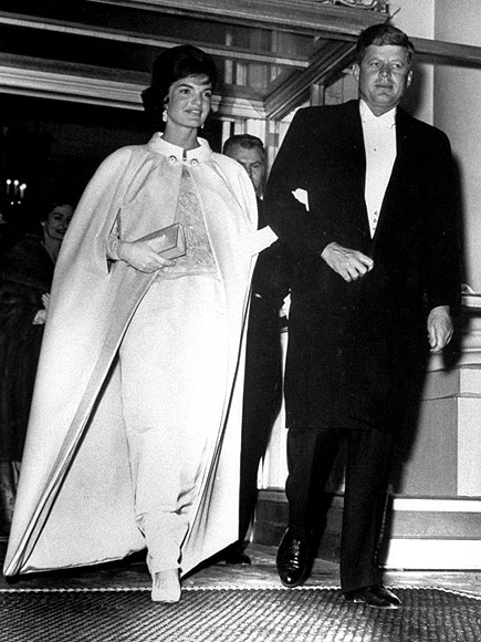 In that evening's Inaugural Ball, Mrs. Kennedy wore a dress she designed in collaboration with Ethel Frankau, Head of Custom Salon at Bergdorf Goodman. Image: Bettman/Corbis.