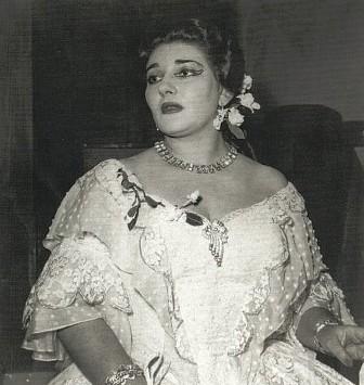 Performing La Traviata in Verona, 1952. Photographer unknown.
