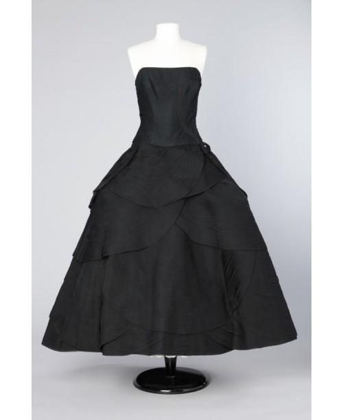 1950's silk chiffon evening gown  via  Chez Sarah.