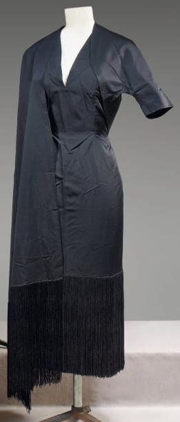 Evening gown circa 1950  via  Cornette de Saint Cyr