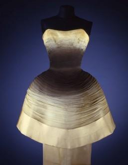 Silk chiffon evening dress circa 1955/1956. Collection Galleria del Costume di Palazzo Pitti, Florence. Photo: Gabinetto fotografico SBAS, Mauro Carrier.