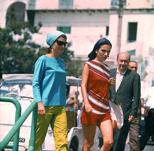 Jackie and Lee in Italy, 1962. Photo: Luciano Mellace/Corbis.
