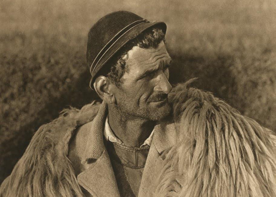 kurt-hielscher-old-romania-one-who-dresses-24.jpg