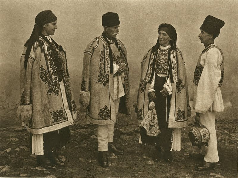 kurt-hielscher-old-romania-one-who-dresses-21.jpg