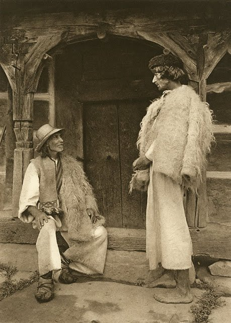 kurt-hielscher-old-romania-one-who-dresses-10.jpg