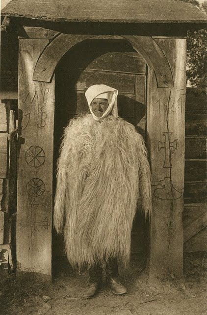 kurt-hielscher-old-romania-one-who-dresses-22.jpg