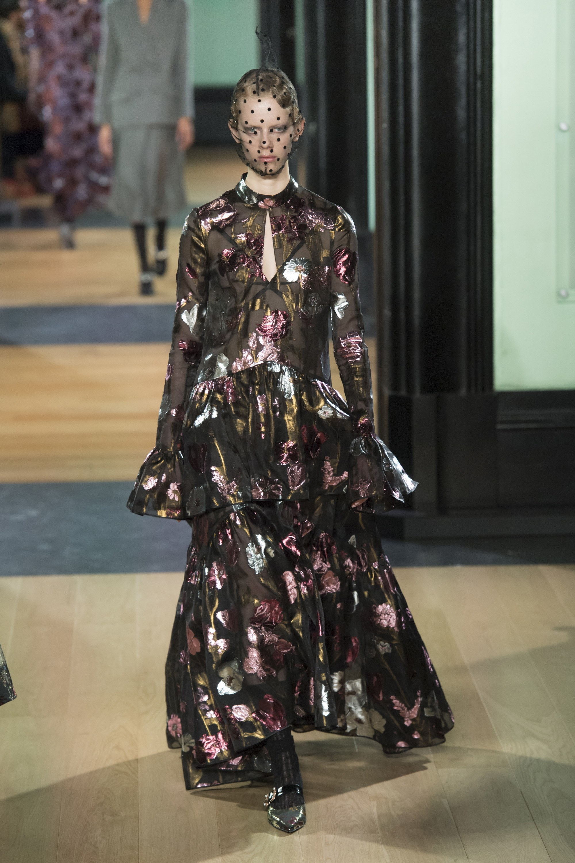 erdem-london-fashion-week-fall-2018-rtw-4.jpg