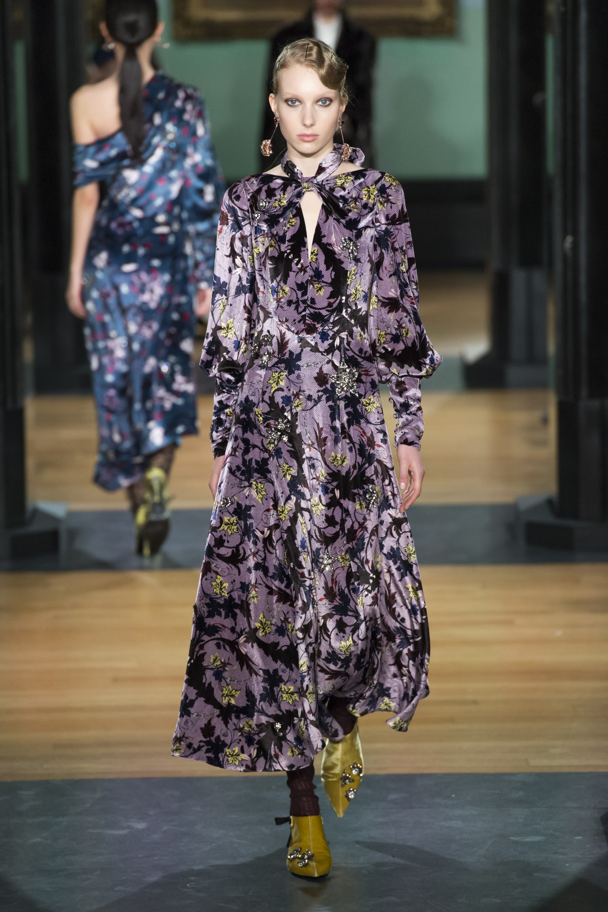 erdem-london-fashion-week-fall-2018-rtw-10.jpg
