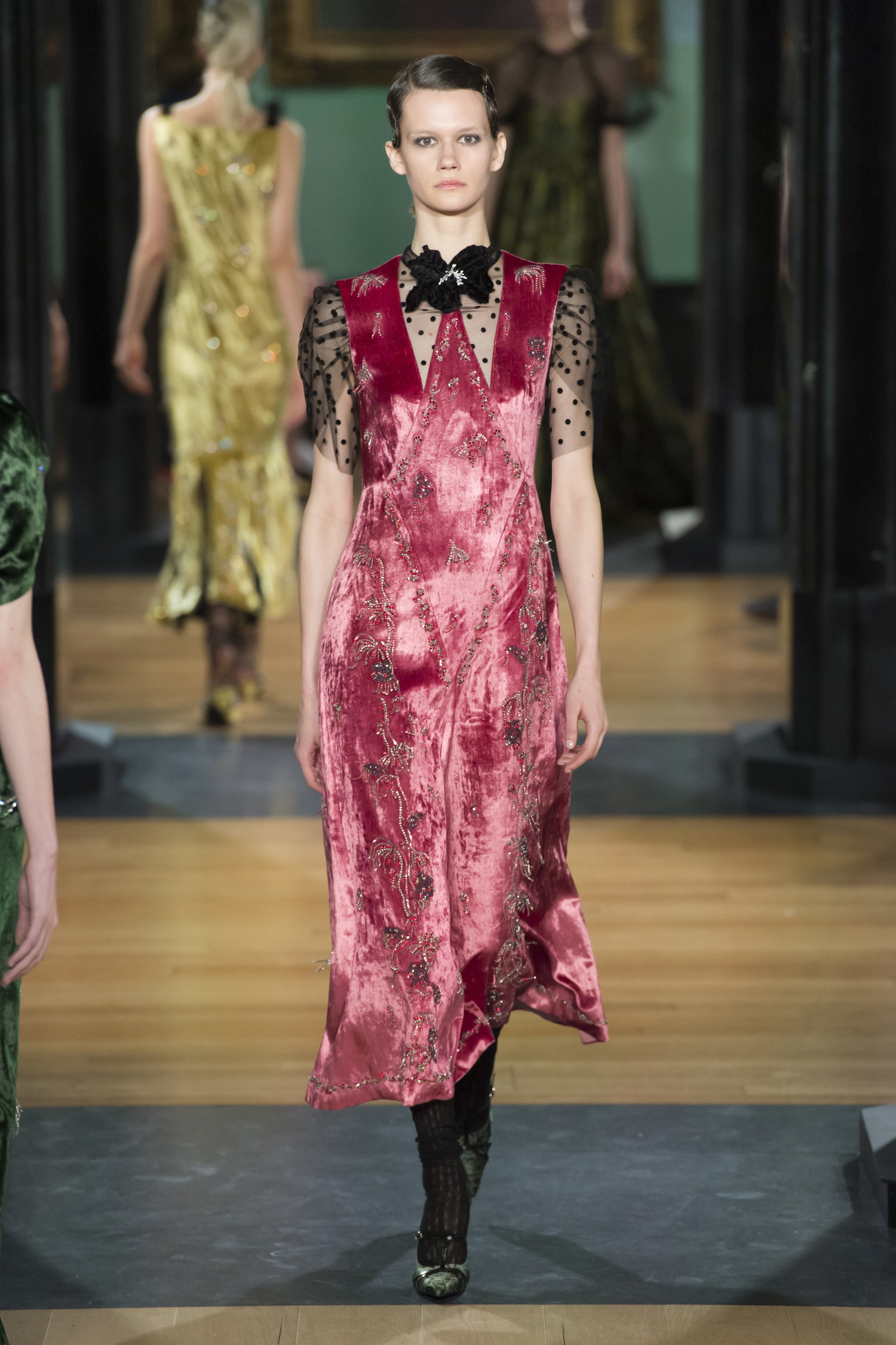 erdem-london-fashion-week-fall-2018-rtw-11.jpg