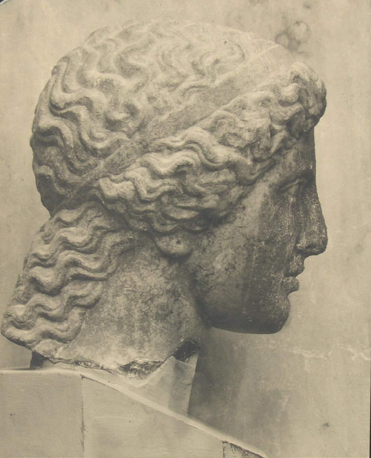Head of the Goddess Hera, circa 420 BCE. Photographer unknown; image via @ marco_mansi_ . Athens, National Archaeological Museum.