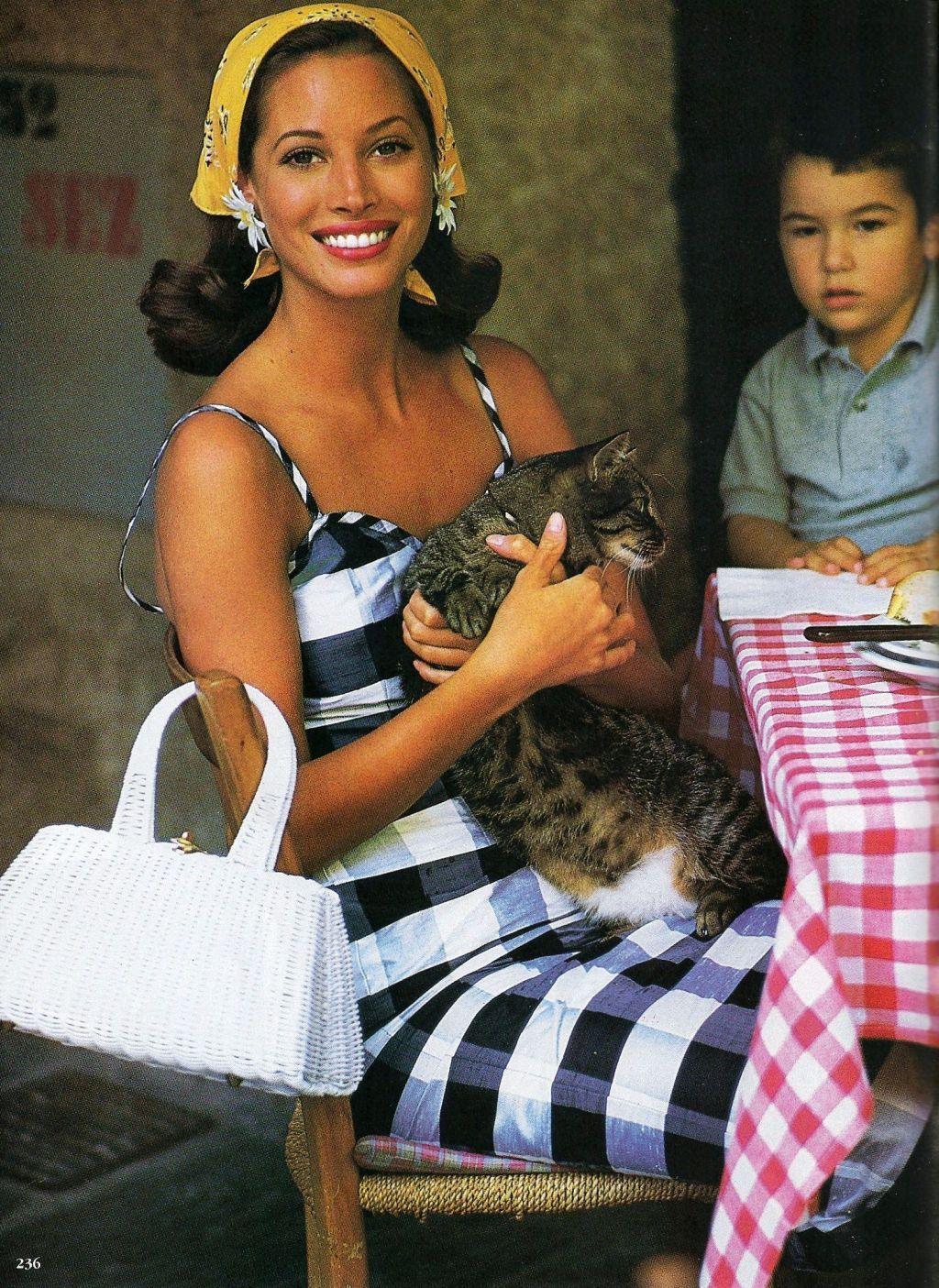christy-turlington-timeless-summer-style-postcard-from-portofino--=.jpg