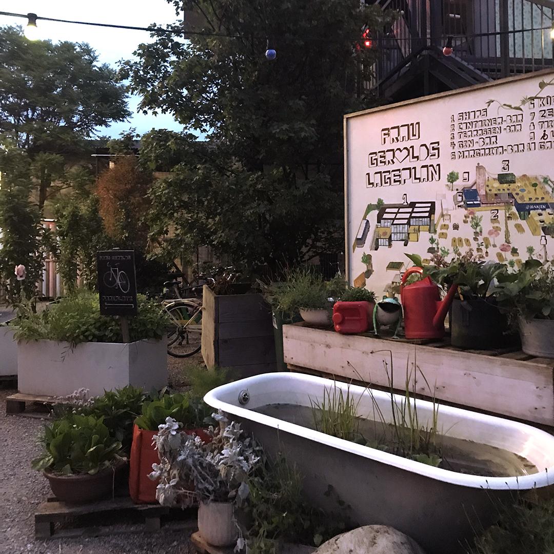 A bath of plants