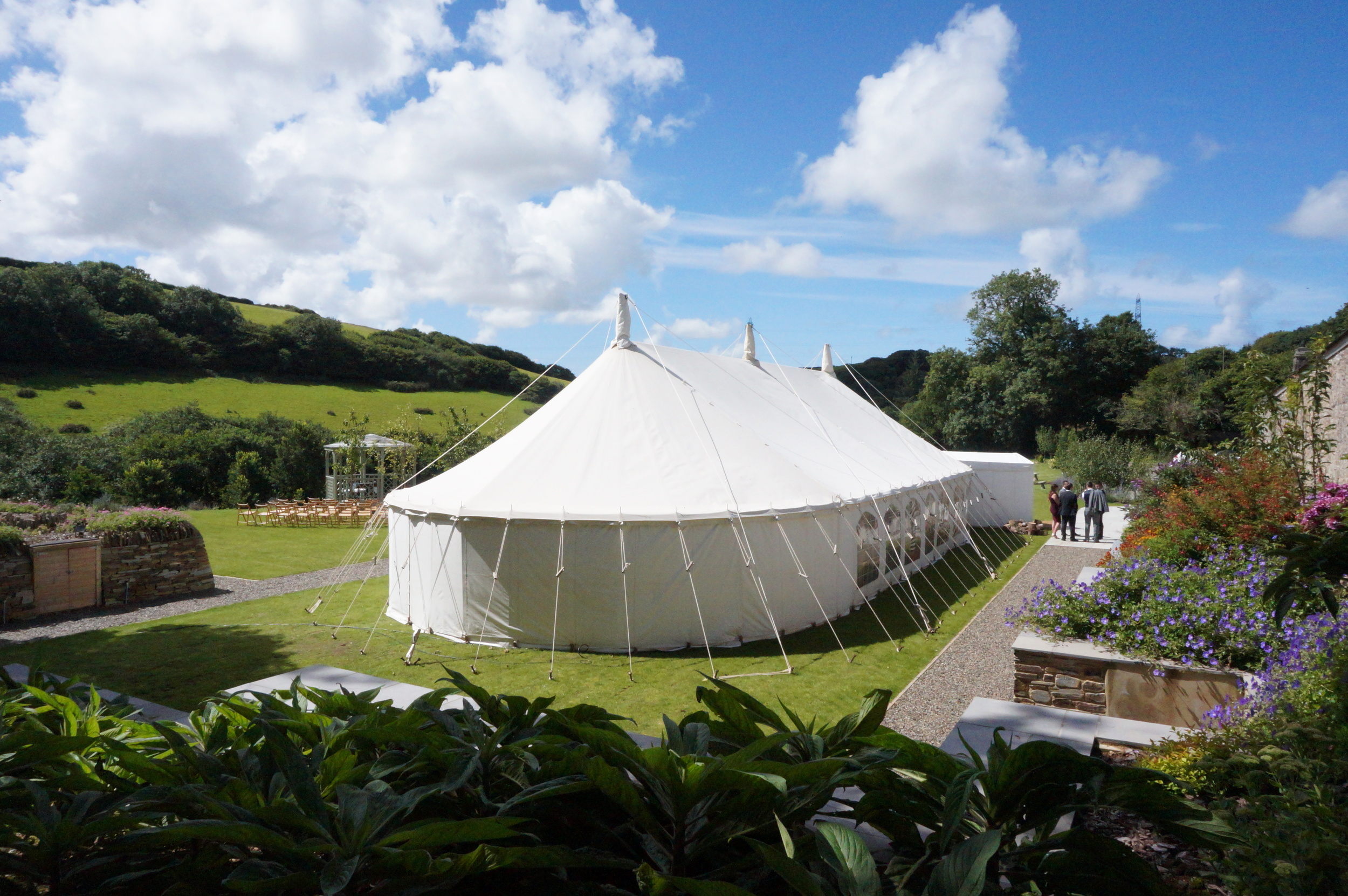 A stunning traditional marquee by Absolute Canvas