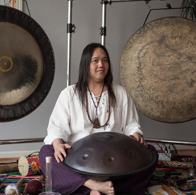 Sound Journey w/ @shamanjay7 is out now on our YouTube channel! ⛰☀️ . Let Shaman Jay of Harmonic Waves Healing take you on a journey through healing vibrations, textural sounds, and soothing tones as you explore the inner landscape of your mind and/or spirit world. Using a variety of instruments - singing bowls, bells, shakers, drums, flute, gongs and handpan - this mindfully curated meditation with ASMR is designed with Theta brainwave entrainment to allow deep introspection and healing. Take the time for yourself to create a sacred space within to re-tune, release, and re-energize. Headphones or big speakers recommended to allow the soundscapes to immerse you in the experience. ✨ . ☀️ Guided by @shamanjay7 🎨 Produced by @itspaulfreedom 🎥 Shot by @dextro312 🎼 Recorded and mixed by The III Studios . #soundjourney #soundmeditation #soundhealer #shamanjay #harmonicwaves #singingbowl #singingbowls #gong #soundhealing #handpan #flute #asmr #asmrvids #satisfyingsound #theta #thetahealing #yoga #meditation  #relaxingmusic #musicforhealing #meditationmusic #relaxation #soundbath #shamanic #shaman #brainwaveentrainment #hangdrum #drumjourney #peacefulmusic #calmingmusic