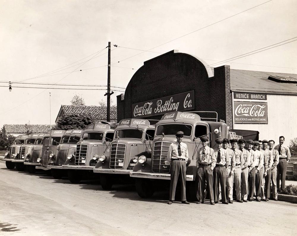 Coca-Cola distributors on Sunset, 1941