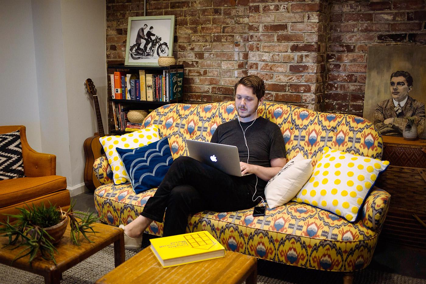 smallcity-lounge.jpg